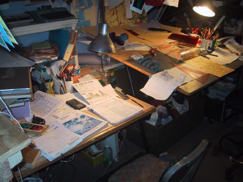 two desks of glory
